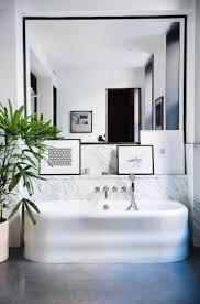 Mirror Ideas For Bathroom by Best 25 Black Framed Mirror Ideas On Pinterest Diy Bathroom