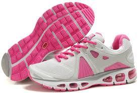 احذية رياضية تهبل للصبايا , احلى مجموعة احذية رياضية نسائية images?q=tbn:ANd9GcQ0Z0nJ0CwgVuKJnzQODFBxXdU1JWTG-daCJQZaA7GZSQW77MXK-A