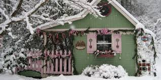 Tiny House Cottage 16 Small Space Christmas Decorating Ideas Tiny House Christmas