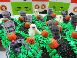worth pinning halloween cupcakes