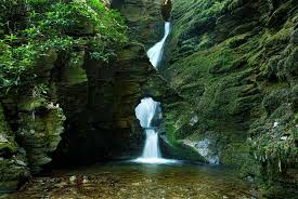 Top    Mystical and Magical Places in England   Toptenz net TopTenz stnectan england