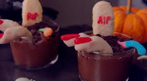 halloween dirt cake graveyard american horror story graveyard chocolate pudding youtube