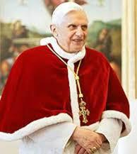 Il Papa con la stola di ermellino