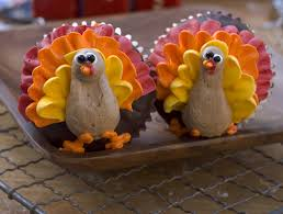 cute thanksgiving cupcakes turkey decorated cupcakes