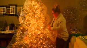 how to put ribbon mesh on your christmas tree christmas 2015