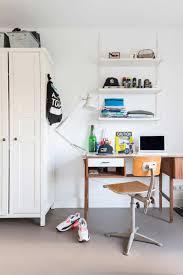 Century Modern Furniture All White Interior Filled With Mid Century Modern Furniture Digsdigs