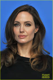 angelina jolie berlin photo call 08