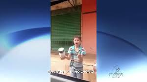 Vídeo de menino chorão faz sucesso na internet   Folha Vitória