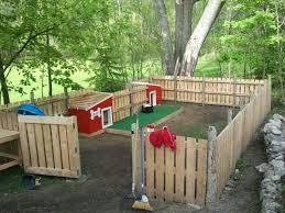 Backyards For Kids by Best 25 Backyard Dog Area Ideas On Pinterest Outdoor Dog Area