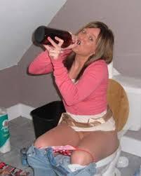 pissing toilet girls|