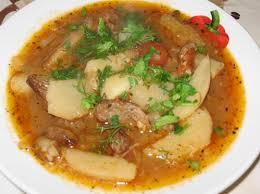 Картофельный суп с рулетиками из говядины