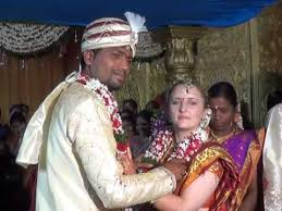 English girl dating Indian boyfriend     Loopit Loopit