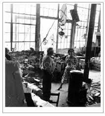 1951- Irene Brin; foto di Gaspero del Corso nello studio di Calder