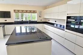 Kitchen Design Hertfordshire High Gloss Off White Handleless Kitchen In Amwell End