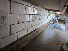 Cream Subway Tile Backsplash by Love The Cream 3x6 Tiles With Brown Grout And Cream Cabinets
