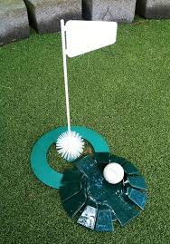 Backyard Golf Hole by Diy Backyard Golf Green My Dad U0027s Gift To Himself For Father U0027s