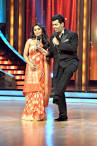Rani Mukerji on the sets of 'Jhalak Dikhhla Jaa' to promote