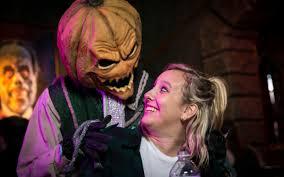 costumes halloween horror nights universal orlando close up halloween horror nights u0027 scareactor