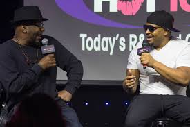 HOT      HOT      HOT LIVE STARRING BOBBY BROWN AND AVANT