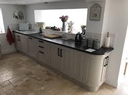 handmade kitchen fitting a howdens kitchen carpentry by craig ross carpentry by craig ross joiner thatcham berkshire howdens kitchen