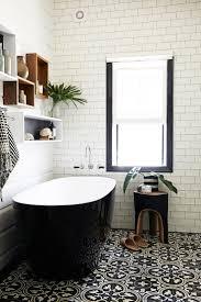 Vintage Black And White Bathroom Ideas Best 25 Black White Bathrooms Ideas On Pinterest Classic Style