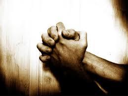 Doa dalam kesabaran hidup, Dengan nama Allah yang maha Pemurah lagi maha Mengasihani. Segala puji bagi Allah, Tuhan semesta alam. Yang maha pemurah lagi maha mengasihani. Yang menguasai hari pembalasan. Hanya Engkaulah yang kami sembah dan hanya kepada Engkau kami mohon pertolongan. Tunjukilah kami jalan yang lurus. Iaitu jalan orang-orang yang Engkau kurniakan nikmat kepada mereka, bukan jalan mereka yang Engkau murkai dan bukan jalan mereka yang sesat. (Photo : Ilustrasi Doa dalam Kesabaran hidup)