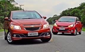 Comparativo de novatos: Hyundai HB20 enfrenta Chevrolet Onix ...
