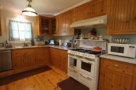 Wall Color Ideas For Kitchen by Delectable 20 Medium Hardwood Kitchen Decorating Design