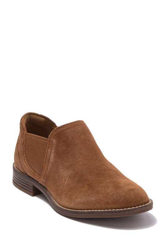 Clarks Camzin Maple Chelsea Bootie, Adult,