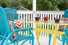 Painting Wicker Patio Furniture - diy upcycled deck furniture accessories