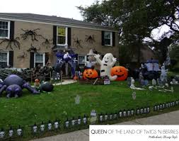 spooky houses and decor in chicagoland queen of the land of