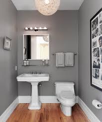 grått badrum lampa egendesignad av lägenhetsinnehavaren rooms