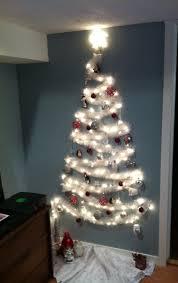 Diy Mini Christmas Trees Pinterest Best 25 Wall Christmas Tree Ideas Only On Pinterest Xmas Trees