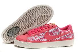 احذية رياضية تهبل للصبايا , احلى مجموعة احذية رياضية نسائية images?q=tbn:ANd9GcQJdjqGpxAFPhAti70KUAXps6Hxz1LPeNy-NBCnD0MoawFOv5lBSg