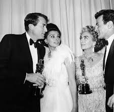 joan crawford at the 1963 oscars what was she thinking