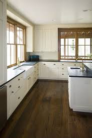 White Kitchen Cabinets With Black Granite Countertops by Best 25 White Farmhouse Kitchens Ideas On Pinterest Farmhouse