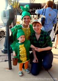 Halloween Costumes For Families by She Always Loved Larking A Corny Family Diy Upcycled