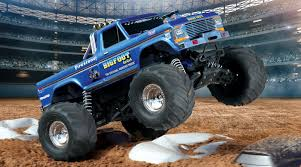 bigfoot king of the monster trucks 1 10 bigfoot classic 2wd monster truck brushed rtr blue