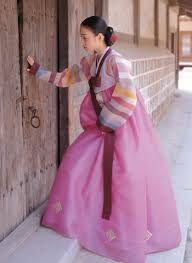 korean haristyle and hanbok Images?q=tbn:ANd9GcQOqBbvNc7LHoAqCQTdOciylGa9iR2ngBdt73UibGaADoX61h81