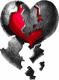 اوراق محروقة في داخل قلب محروق