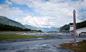 Sandane Airport, Anda