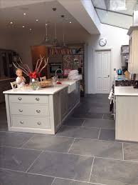 Flooring For Kitchen by Best 25 Slate Flooring Ideas On Pinterest Slate Floor Kitchen