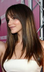 flattering hairstyles for heart shaped faces