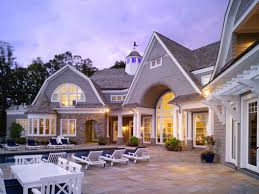 learn the classical and functional house design through shingle