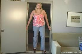 Stephanie Towers 6-6, 251 pounds - stephanie_towers_hr_06.mpg_snapshot_01.40__2012.11.07_22.37.34__m
