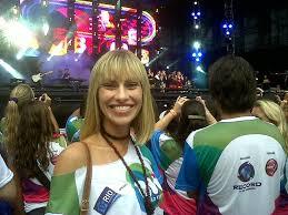Lana Rhodes curte o show da banda Rebeldes no Rio - Jovem - R7