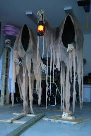 homemade scary halloween decorations outside exterior outdoor