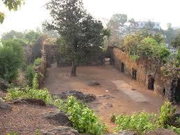 Ghodbunder Fort