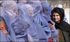 Afegãs são levadas à prostituição no Paquistão | BBC Brasil | BBC ...
