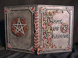 Buscando libros de salvación y silencio Images?q=tbn:ANd9GcQV4zc4xVywEQ--IinQDJ63JIh0gK2HDZm2s6BsHjE7hb7ugAHWmZpA1Yvl